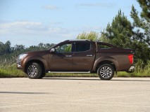 Full-Box Nissan Navara NP300 D23 DC X-EVO V Linextras (Primary)